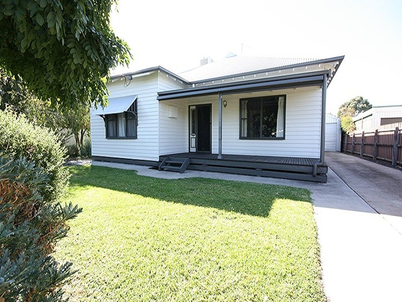 23 Bennett Road, Horsham, Vic 3400