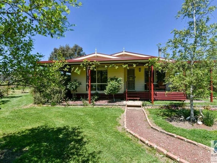 1368  Beechworth - Wodonga Road, Wooragee, Vic 3747