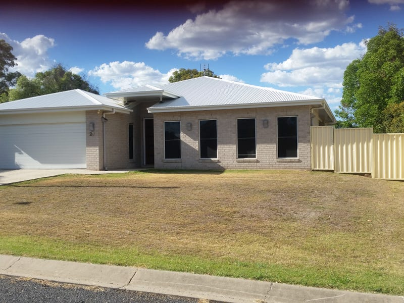 23  Cooper Street, Pittsworth, Qld 4356