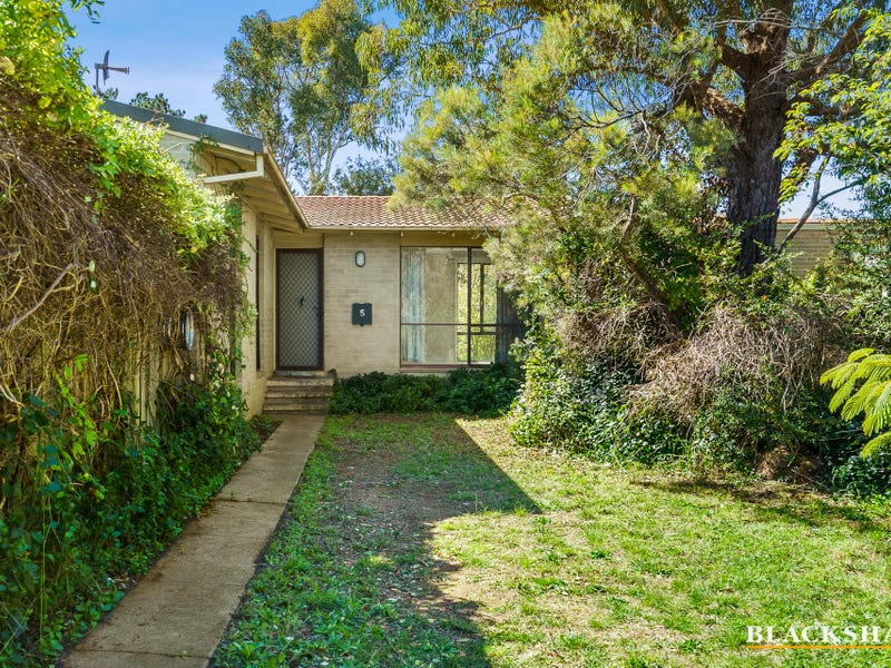 5 Donnison Place, Charnwood, ACT 2615