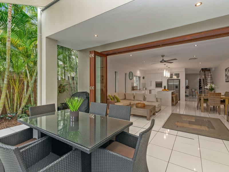 1/3 Bali Avenue, Palm Beach, Qld 4221