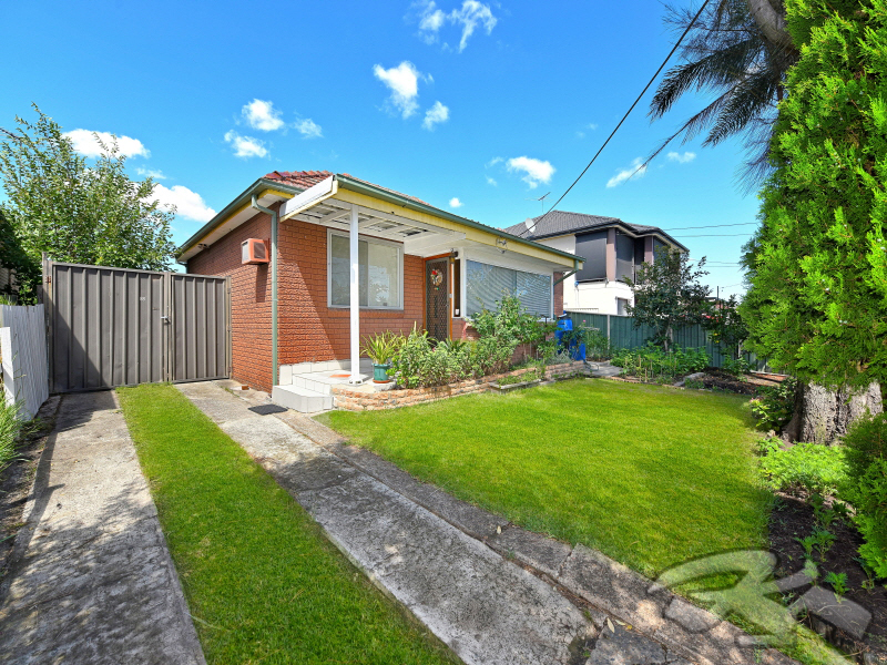88 Juno Pde, Greenacre, NSW 2190