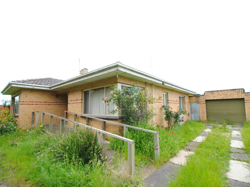 8250 Bass Hwy, Leongatha South, Vic 3953