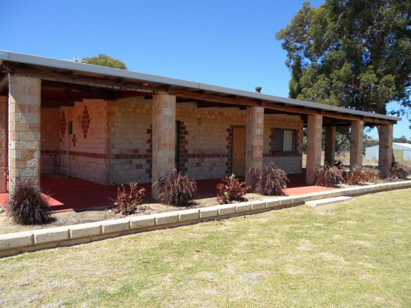 21 Pinjarra Williams Road, Quindanning, WA 6391