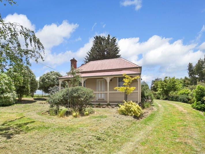 24 Forest Hill Road, Newlyn, Vic 3364