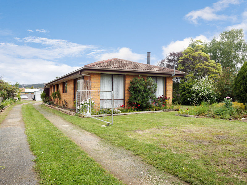 13 Esplanade North, Snug, Tas 7054