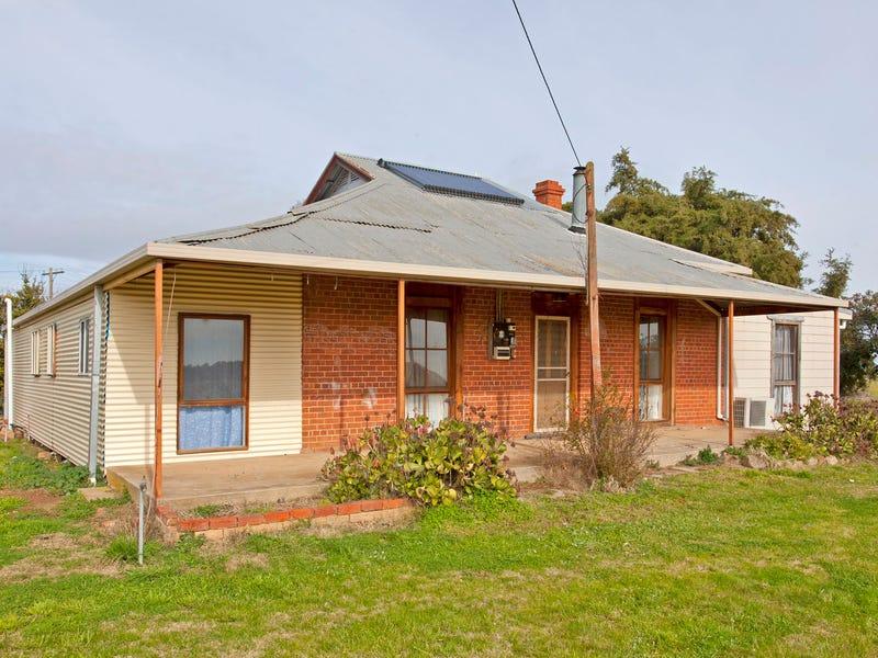 171 Back Henty Road, Culcairn, NSW 2660