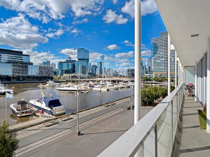 302/86 River Esplanade, Docklands, Vic 3008