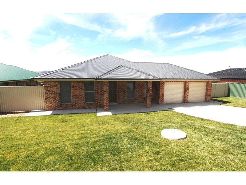 37 Swanbrooke Street, Bathurst, NSW 2795