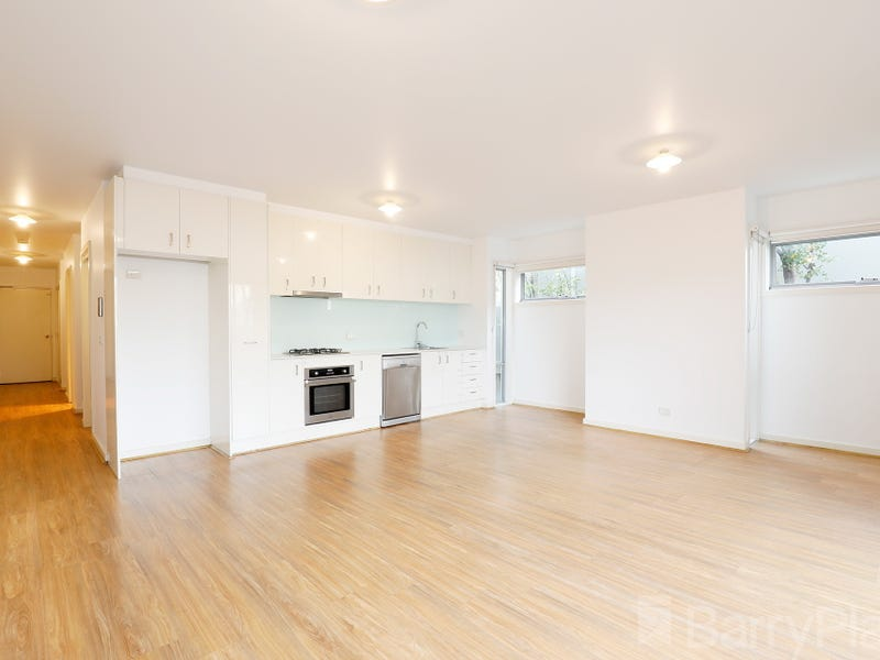 1/1424 Centre Road, Clayton South, Vic 3169