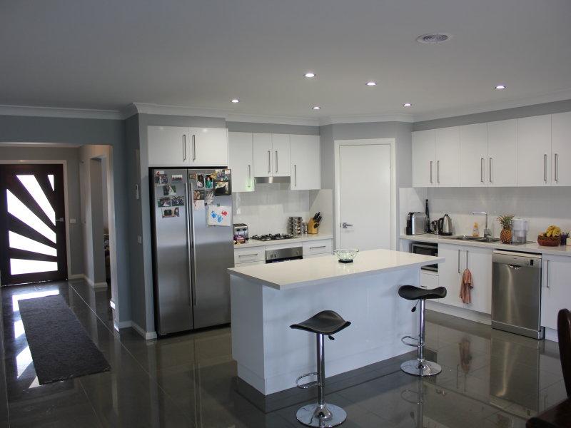 54 Ashworth Drive, Bathurst, NSW 2795