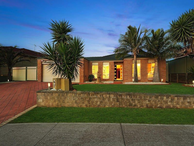 100 Greenway Drive, West Hoxton, NSW 2171