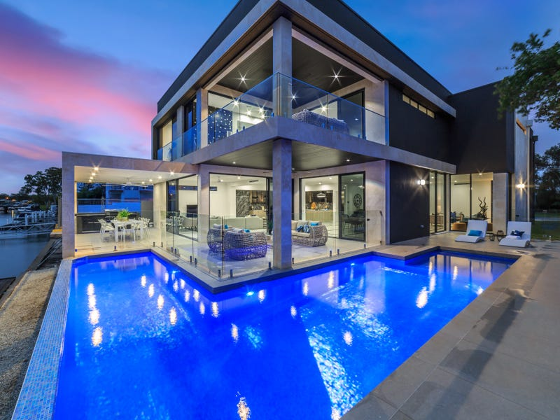 31 Southern Cross Drive, Surfers Paradise, Qld 4217