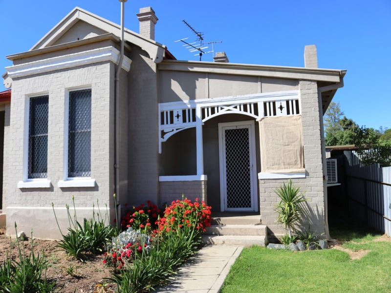 1/2 SPRING STREET, Young, NSW 2594