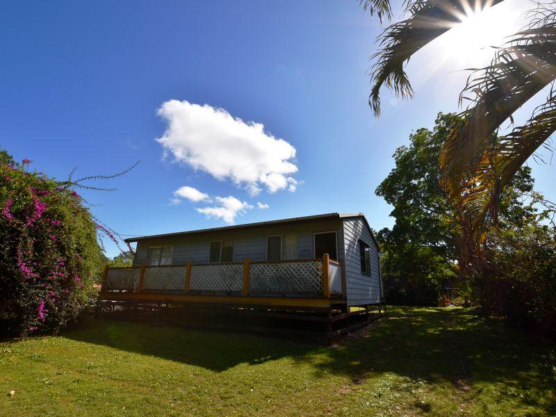 11 Callistemon, Russell Island