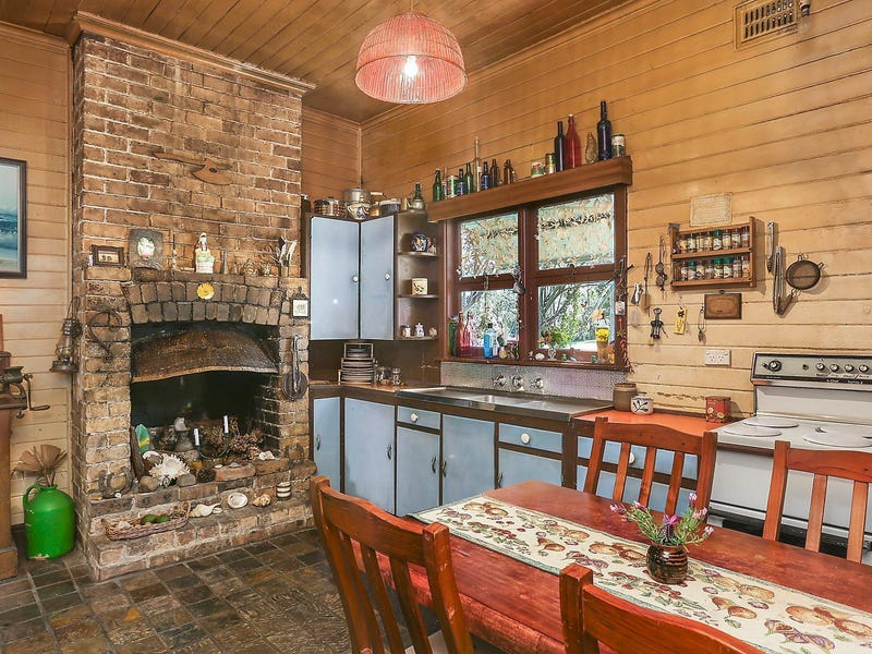 16 Carrington Road, Hornsby, NSW 2077