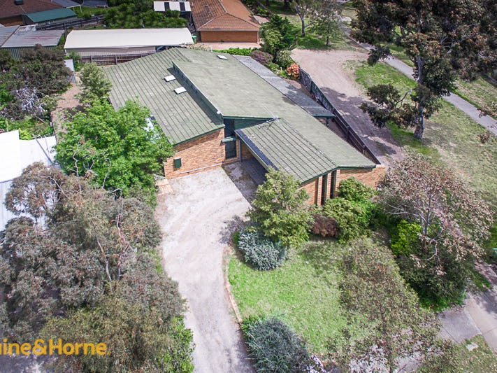 17 Menzies Drive, Sunbury, Vic 3429