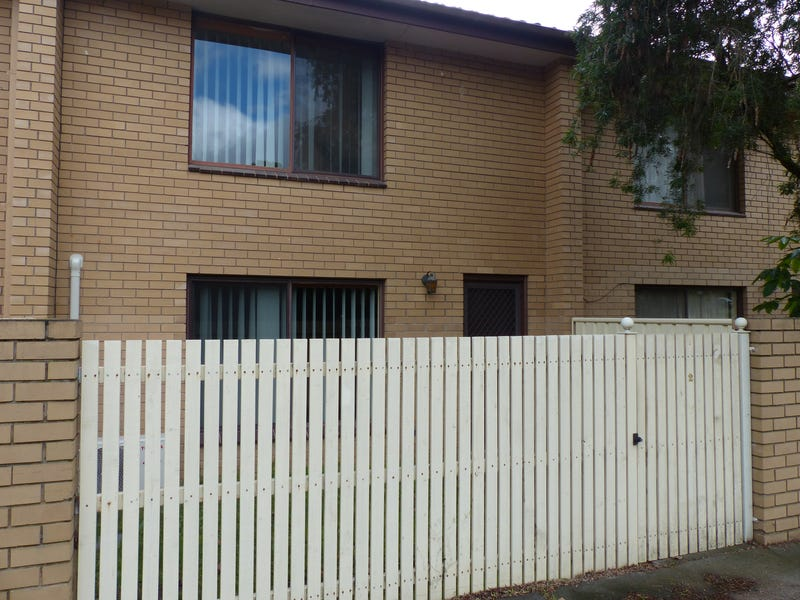 2/883 Padman Drive, Albury, NSW 2640