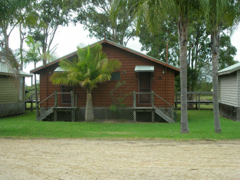 Cabin 15 Fishermans Village Moffats Road, Swan Bay, NSW 2324