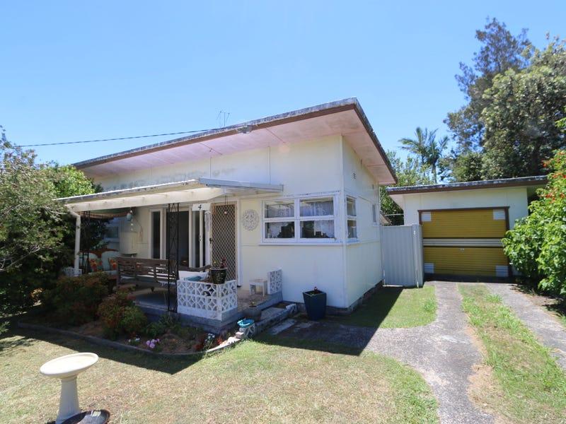 4 Eighth Avenue, Toukley, NSW 2263