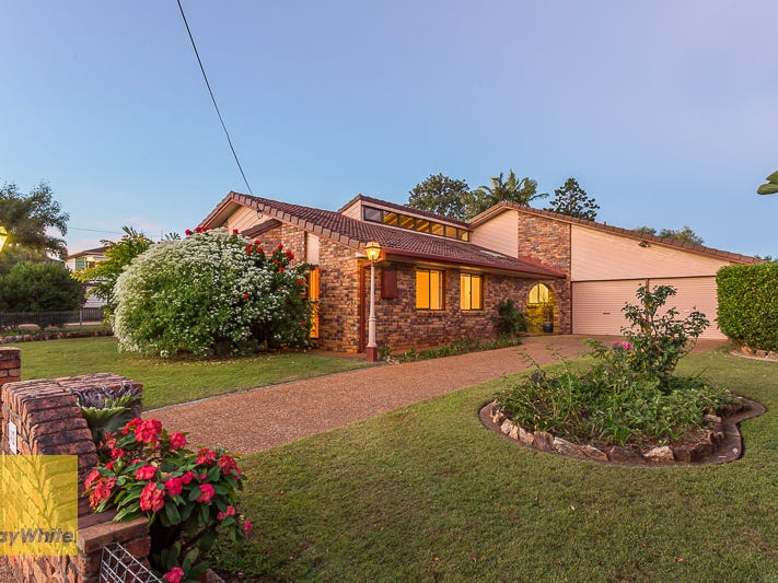 42 Mill Street, Redland Bay, Qld 4165