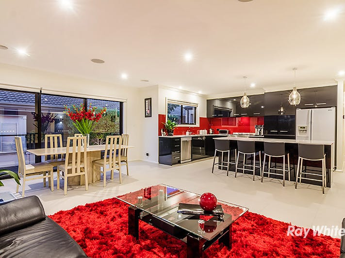 16 John Russell Road, Cranbourne West, Vic 3977