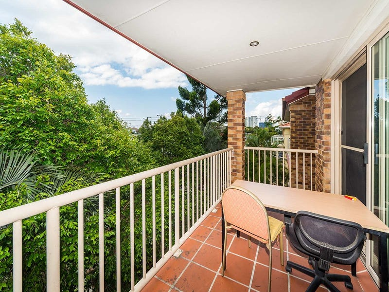 9/28 Sykes Court, Southport