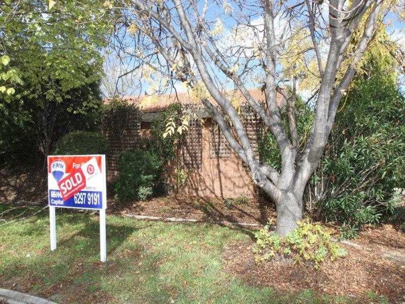 2 Myola Street, Crestwood, NSW 2620