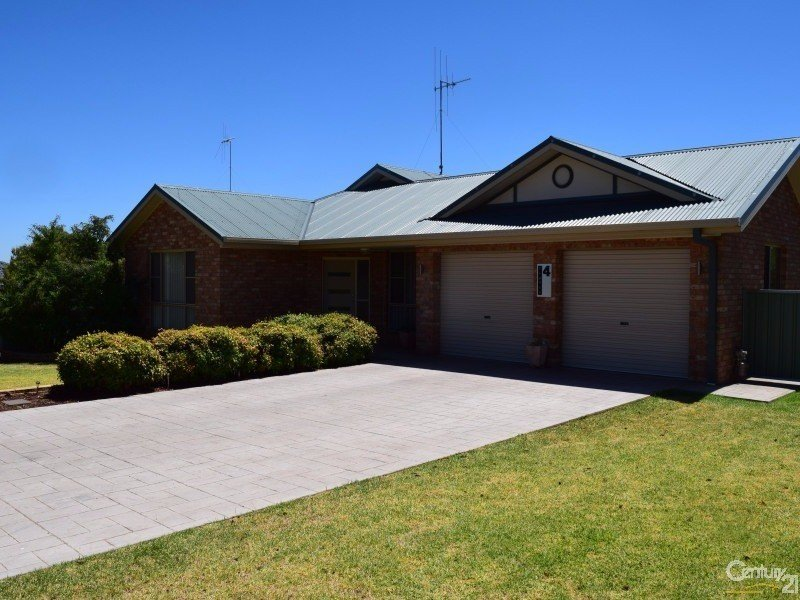 4  Clancy Place, Parkes, NSW 2870