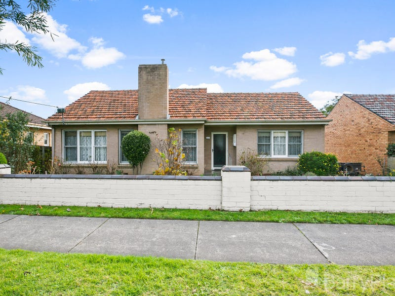 15 Young Street, Drouin, Vic 3818