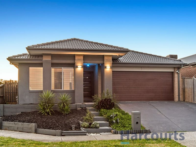3 Maeve Circuit, Clyde North, Vic 3978