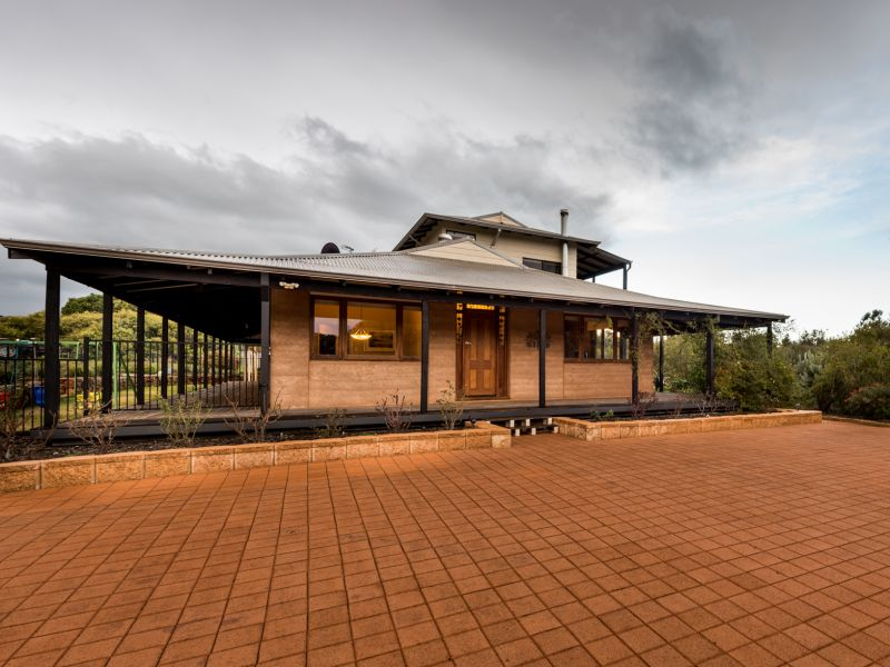 61 Mistletoe View, Crossman, WA 6390