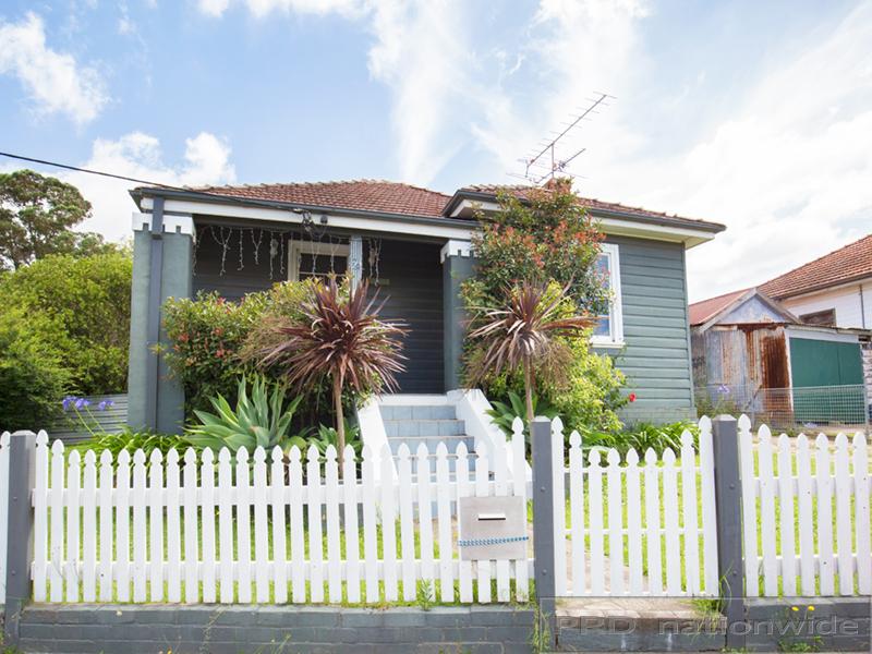 25 Thomas Street, Telarah, NSW 2320