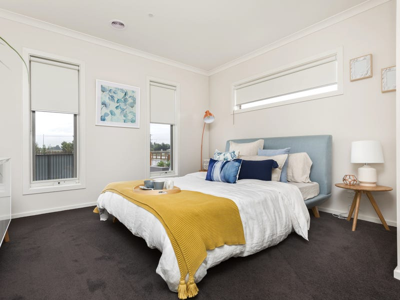 38 Murphy St, Clyde North, Vic 3978