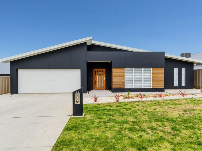 13 Mullagh Crescent, Boorooma, NSW 2650