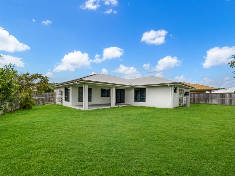 5 Rattray Street, Bushland Beach, Qld 4818
