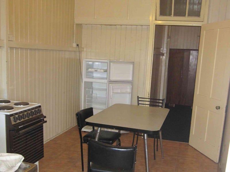 Unit 4/74 Fitzroy Street, Warwick, Qld 4370
