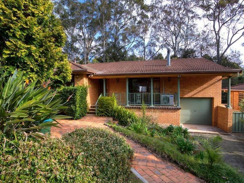 4 Greenwood Avenue, Berkeley Vale, NSW 2261