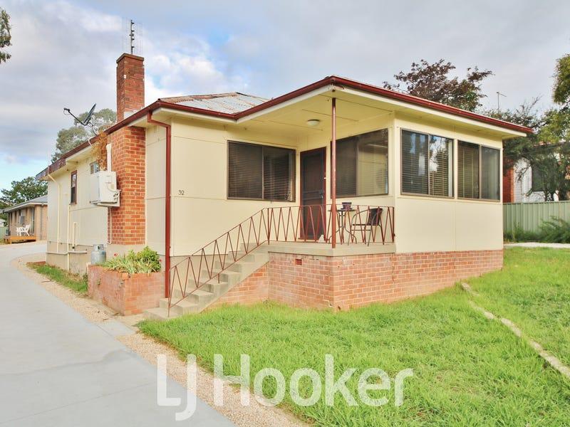 32 Esrom Street, West Bathurst, NSW 2795