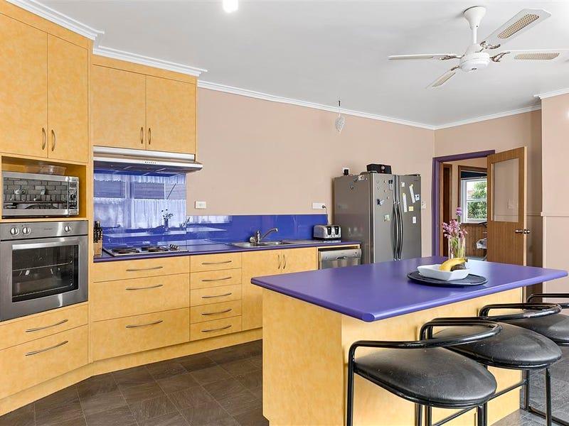 83 Pine Road, Penguin, Tas 7316