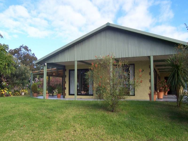 57 Cors Parade, North Batemans Bay, NSW 2536
