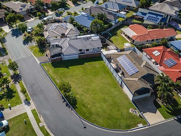 37-39 Corrimal Place, Sandstone Point, Qld 4511