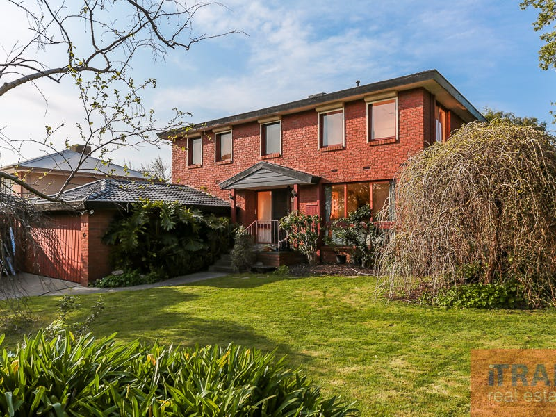 18 Wondalea Crescent, Wantirna, Vic 3152