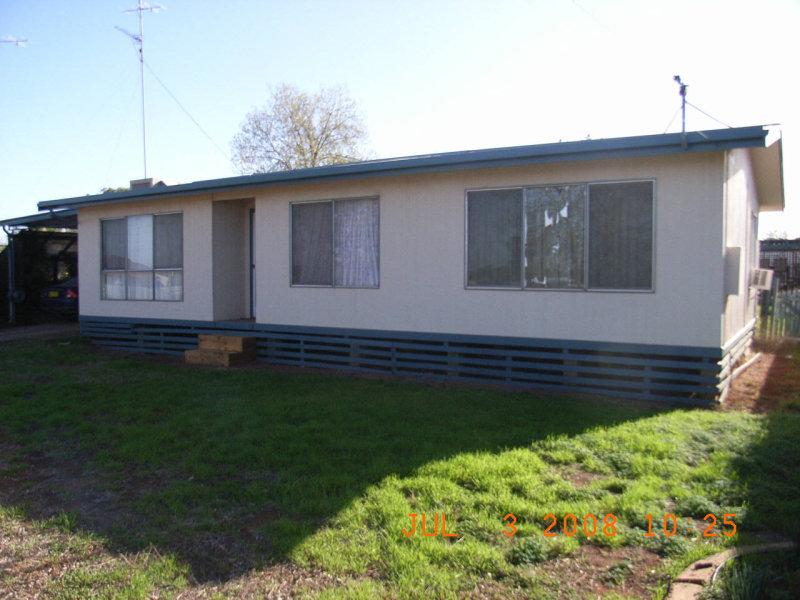 51 Blyth Street, Wyalong, NSW 2671