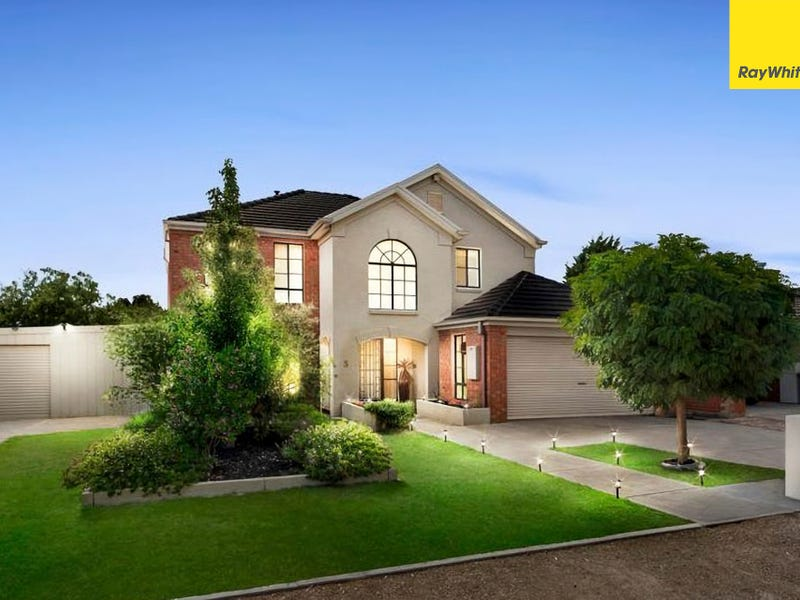 5 Russell Court, Brookfield, Vic 3338