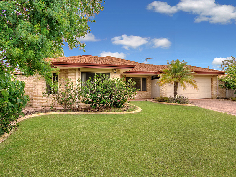 10 Link Way, Cooloongup, WA 6168