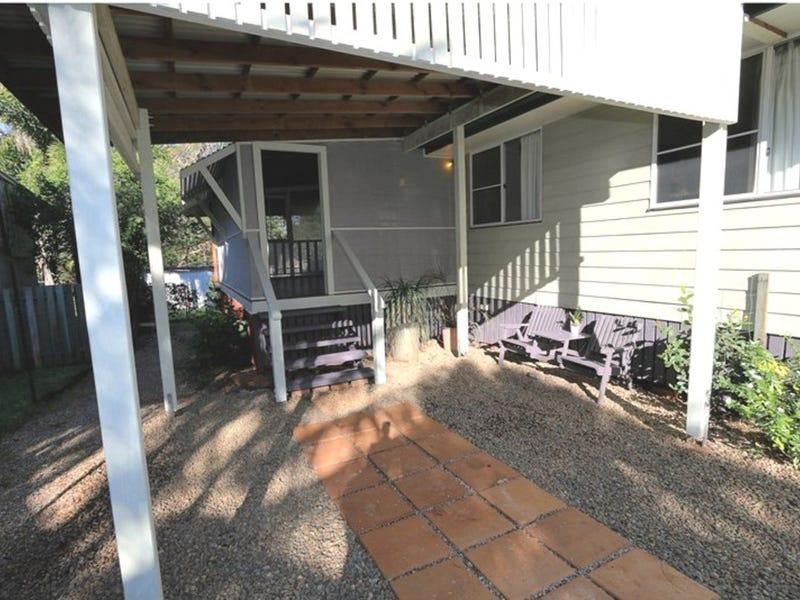 15 Kingfisher Street, Coochiemudlo Island, Qld 4184