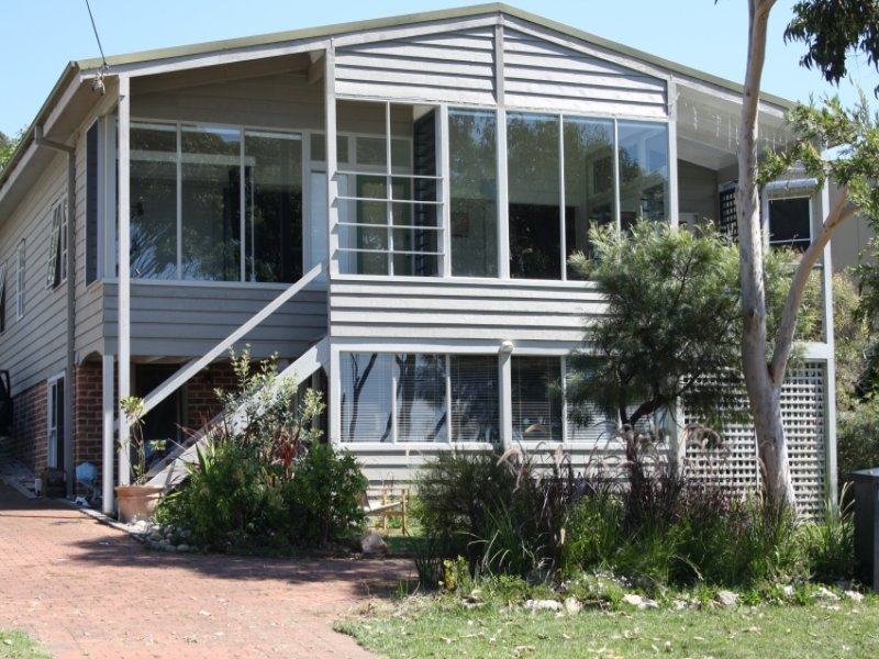 15  Cyrus, Hyams Beach, NSW 2540