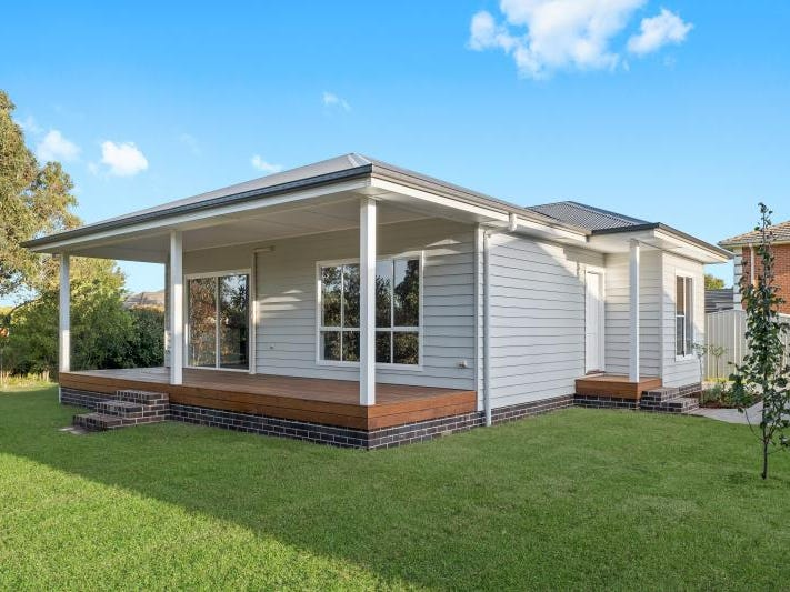 2/3a Stables Place, Moss Vale, NSW 2577