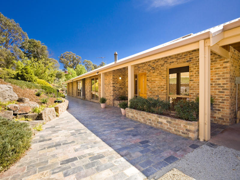 2 Maroong Drive, Research, Vic 3095